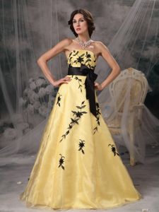 A-line Strapless Appliqued Prom Dress in Yellow And Black in Lynnwood