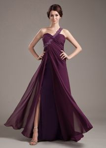 Perfect Chiffon Slitted Appliqued Burgundy Prom Attire One Shoulder