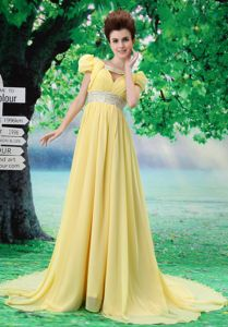 Court Train Beading Yellow Prom Dresses with Short Puff Sleeves