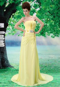 Sweet Brush Train Strapless Ruched Beading Prom Gown in Yellow