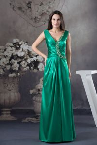 Green V-neck Taffeta Floor-length Senior Prom Dress with Appliques