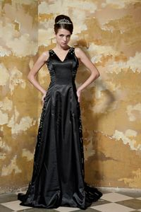 Simple Black V-neck Taffeta Beading Prom Gown Dress Sweep Train