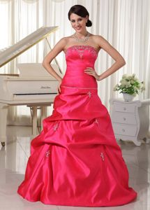 Taffeta Coral Red Appliqued Prom Attire with Beading and Pick-ups in Metz