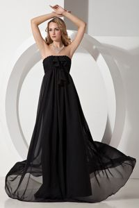 Strapless Beaded Floor-length Chiffon Prom Outfits in Black in Broken Hill
