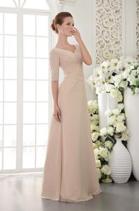 Champagne V-neck Floor-length Prom Outfits with Beading in Mount Barker