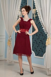 Burgundy Square Beading Ruched Junior Prom Dresses Knee-length