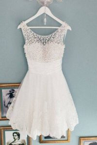 Dynamic Scoop White A-line Beading Prom Dresses Zipper Lace Sleeveless Knee Length