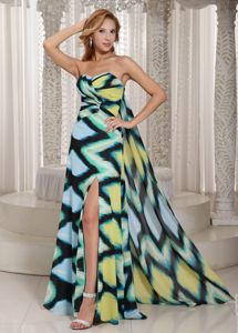 Muti-color Printed Prom Dresses with High Slit and Watteau Train in Puteaux