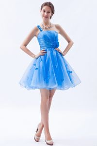 Cute Floral Embellishment Accent Prom Gown with Single Shoulder