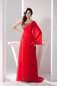 Traditional Beaded Red Long Prom Attire with Asymmetrical Neck