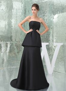 Simple Strapless Zipper-up Black Long Prom Outfits with Peplum