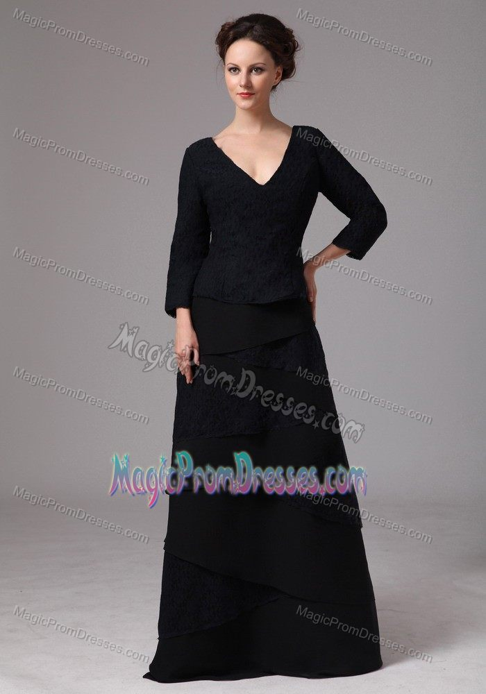 Black V-neck Floor-length Dress for Prom with 3/4 Length Sleeves in Cisco