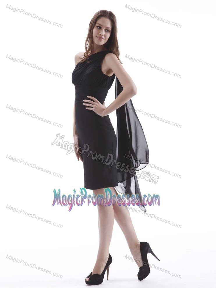 One Shoulder Mini-length Sheath Prom Attires in Black with Ruches in Malo