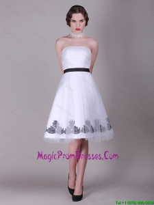 2016 Lovely A Line Strapless Appliques Prom Dresses with Belt