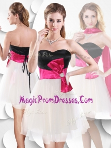 2016 Perfect Short White and Black Prom Dress with Bowknot
