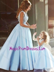 New Style V Neck Satin Prom Dress with Appliques and Most Popular Big Puffy Little Girl Dress with Straps