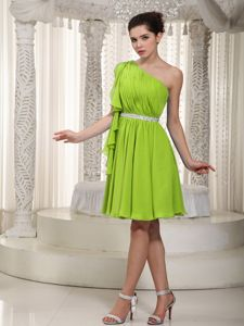 Classic Chiffon One Shoulder Short Spring Green Dress for Prom for a Cheap Price