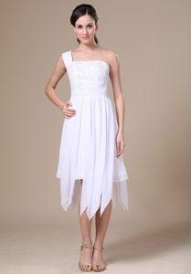 Special Design White One Shoulder Prom Dress for Summer with Asymmetrical Hem