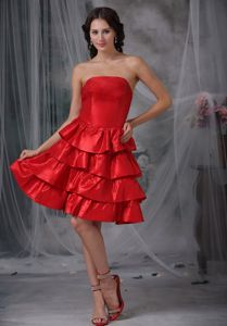 Zipper-up Red Strapless Knee-length Semi-formal Prom Dress with Layers