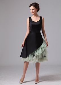 Black and Green Knee-length Prom Gown Dress with Wide Straps in Hobart