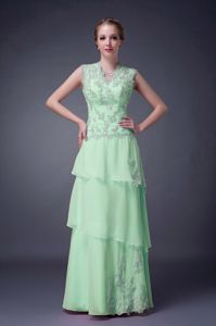 Spring Green V-neck Empire Prom Dresses with Appliques in Floor-length
