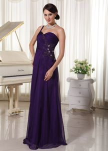 Unique Dark Purple Floor-length Dress for Formal with Ruches and Beading