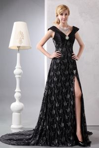 Black A-line V-neck Lace Beading Prom Gown Dress with Chapel Train