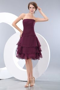Burgundy A-line Strapless Mini-length Prom Dresses with Ruche Decorate