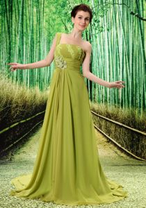 Olive Green One Shoulder Appliques and Beading Decorate Junior Prom Dress