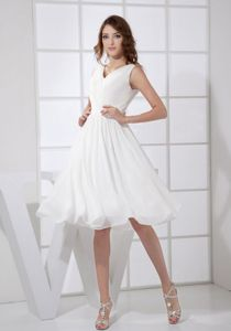 Straps with V-neck Empire Prom Court Dresses in White to Knee-length