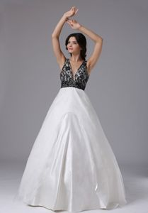 Sexy V-neck White Floor-length Semi-formal Prom Dresses with Black Lace