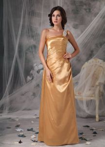 Appliqued Single Shoulder Gold Taffeta Prom Outfits with Ruches