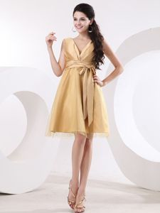 Free Shipping Zipper-up V-neck Gold Short Prom Attire with Sash Online