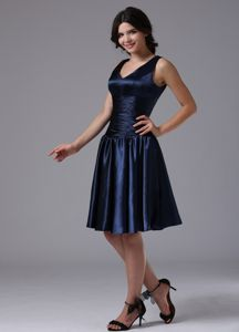 V-neck Ruched Navy Blue Prom Gown Dress in Bellflower California