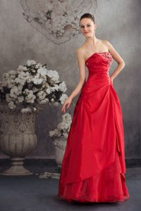 Red Strapless A-line Floor Length Appliqued Prom Dress in Massachusetts