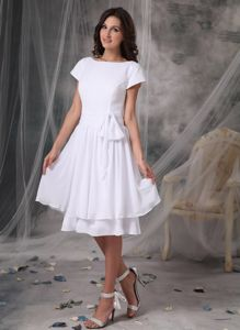 Snow White Short Sleeves Bateau Neck Knee-length Prom Dress with Bow