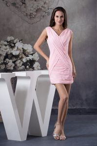 Perfect Chiffon V-neck Zipper-up Mini Prom Dress for Summer in Baby Pink