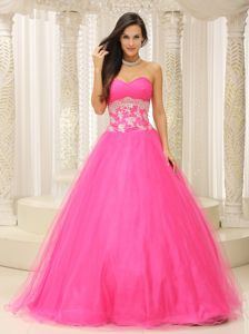 Inexpensive Puffy Tulle Hot Pink Prom Attire with Appliqued Waist