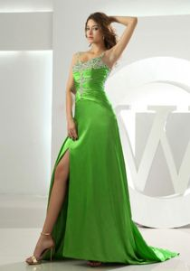 Beaded Straps Spring Green Prom Dresses with Ruches and Beading 2013