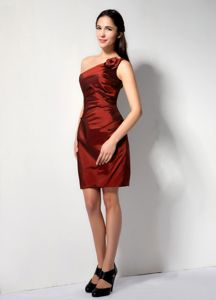 One Shoulder Rust Red Mini Prom Attire with Flower in The Mainstream
