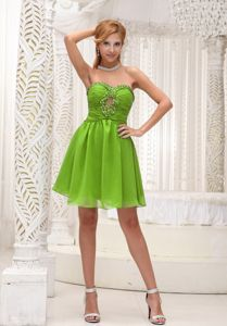 Lovely Spring Green Ruche Beaded Prom Gown Dress with Keyhole