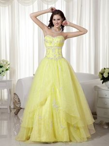 A-line Sweetheart Floor-length Prom Dress in Yellow with Beading in Reims