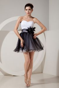 Black and White Short Prom Dresses with Hand Made Flowers in Montreuil
