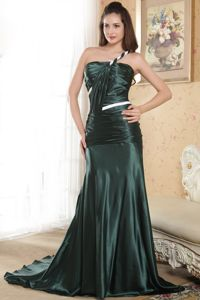 Dark Green Sweep Train One Shoulder Dress for Prom with Ruches
